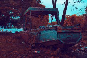 water daylight wreckage outdoorchallenge watercraft shipwreck rusty vehicle transportation system abandoned