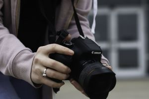 hands person photography camera dslr nature