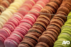 colors food macarons