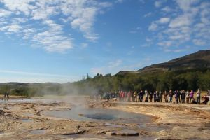 crowd nature hot explosion crater gush water mountain people attraction
