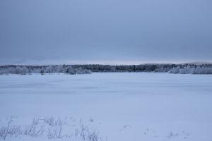 frozen lake winter lapland horizon glow