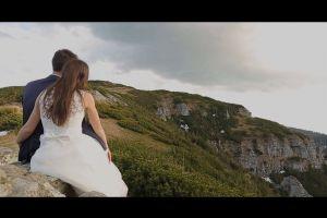 groom married bride couple hug mountain people love dress