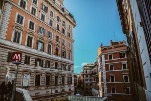 italy city journey adventure leisure cityscape capital city globetrotter explore europe
