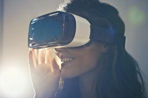 light white smile facial expression beautiful girl person woman pose virtual reality