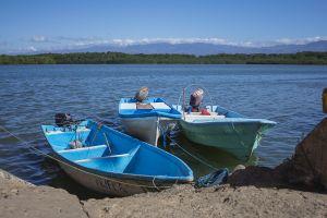 motorboats ocean blue skies pacific pacific ocean boats fishing boat
