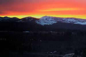 mountain sunset lake tahoe
