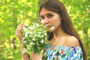 nature green flowers grey eyes