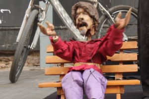 puppet puppeteer toy bench wheel street