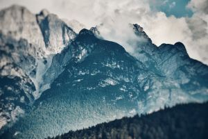 rocky mountain landscape high clouds mountain nature daylight scenic