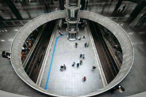 sao paulo metro metro station estaã§ã£o da sã© people