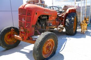 tractor retro vintage vehicle beauty upgrade