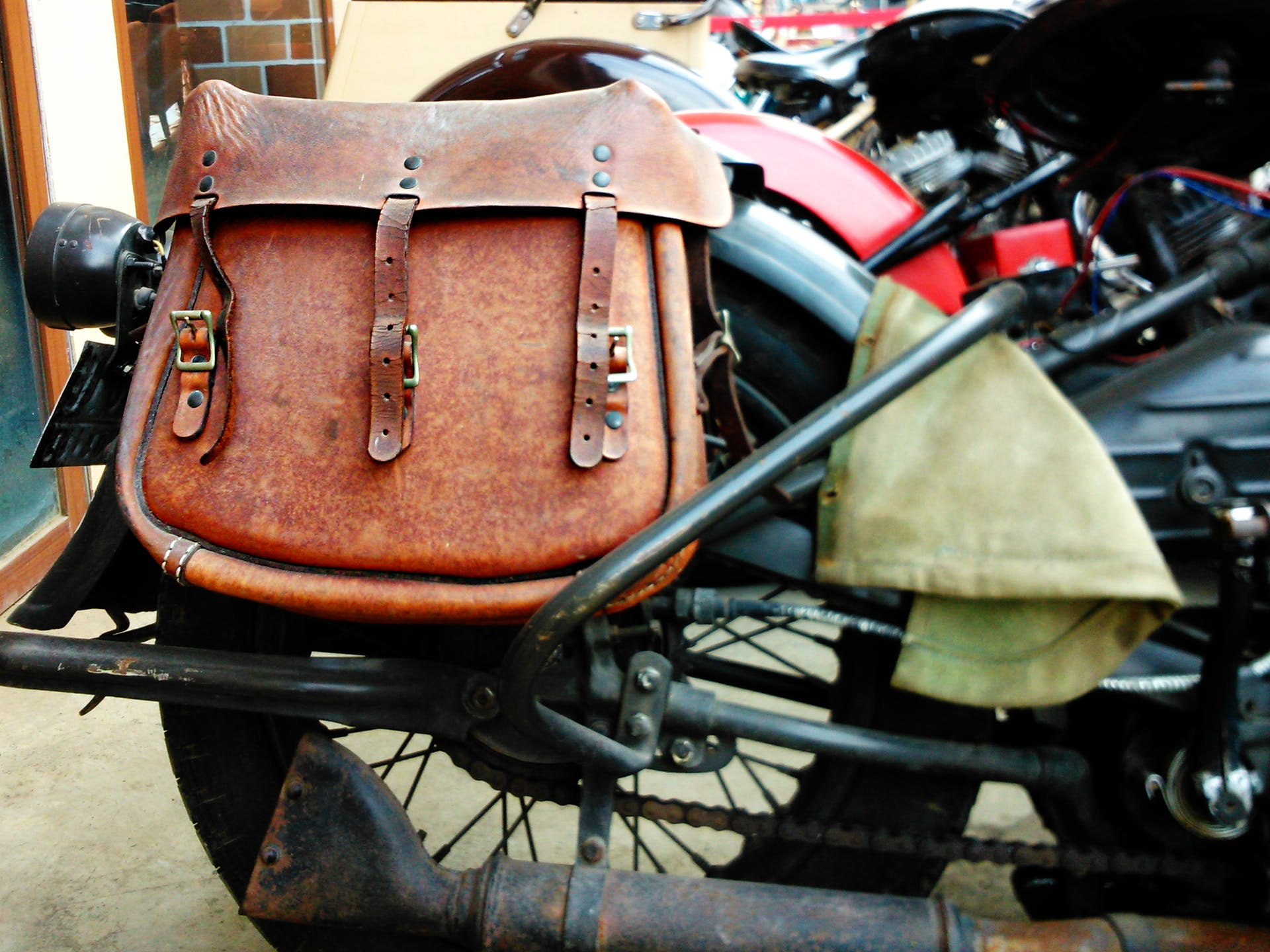 vehicle retro motorbike leather road motorcycle leather bag brown strap accessories