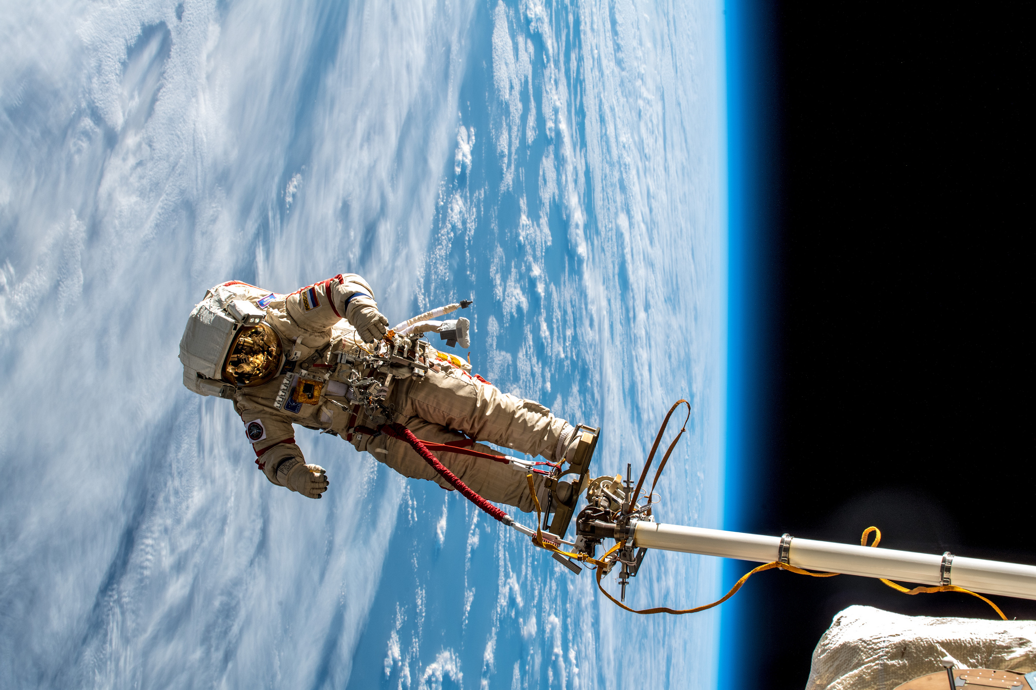 planet clouds earth alexander gerst astronaut iss atmosphere photography space