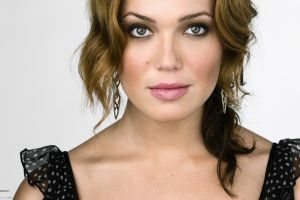 actress celebrity simple background portrait face mandy moore women