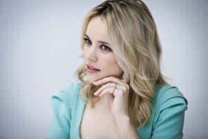 actress gradient women rachel mcadams blonde simple background