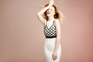 blonde yulianna karaulova russian gradient simple background singer