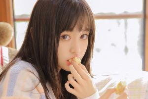 brunette asian face food women women indoors