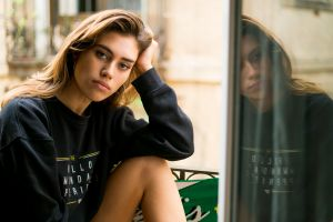 brunette women indoors women model reflection