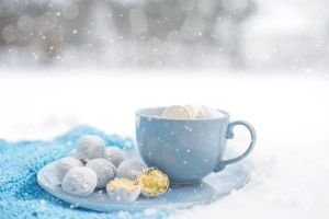 cup snow food sweets