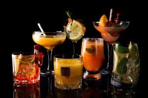drinking glass black background cocktails food