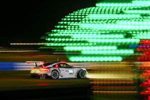 fia world endurance championship photography motion blur lights porsche 911 rsr porsche