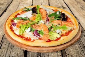 fish cheese pizza food
