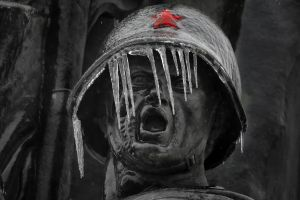icicle face winter helmet open mouth world war ii frost stars ussr red star selective coloring soldier romania soviet army statue