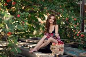 model brunette depth of field looking at viewer baskets cleavage women brown eyes barefoot outdoors bokeh smiling women outdoors anna fedotova sweater