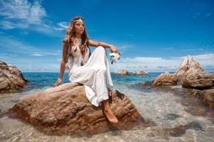 model sea dress