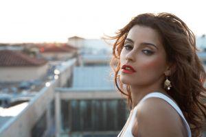 nelly furtado rooftops women brunette canadian singer blue eyes