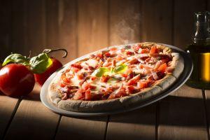 pizza food tomatoes