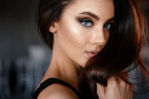 portrait face women blue eyes closeup eyeliner