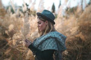 profile model portrait photography women outdoors depth of field bokeh hat straight hair black nails blonde side view ali pazani women coats