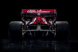 race cars formula 1 vehicle alfa romeo racing car