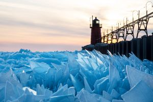 usa ice lighthouse lake michigan lamp sunset lake michigan clouds frozen lake winter