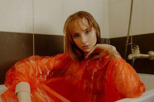 women in bathtub women indoors model