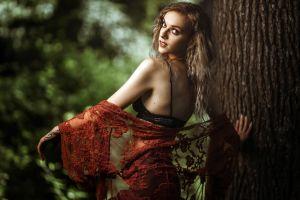 women women outdoors model trees makeup