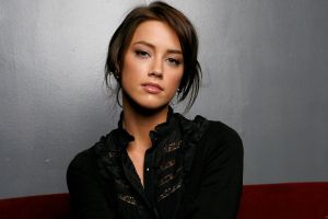 actress amber heard simple background looking at viewer portrait women brunette