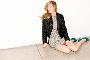 anna torv blonde fringe (tv series) leather jackets