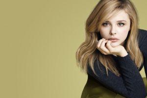 blonde chloë grace moretz women celebrity simple background actress long hair