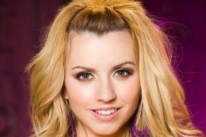 blonde face lexi belle pornstar hazel eyes smiling women
