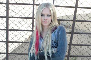 blonde singer fence bracelets avril lavigne long hair women