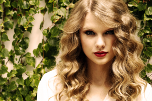 blonde singer red lipstick celebrity curly hair taylor swift women