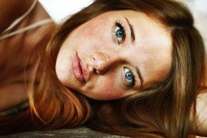 blue eyes lindsay hansen women freckles face redhead