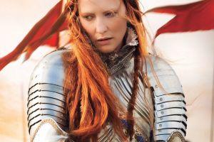 cate blanchett elizabeth women flag armor redhead