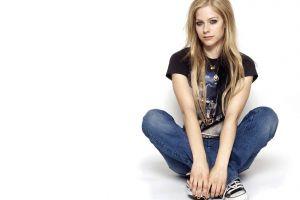 celebrity blonde singer avril lavigne women