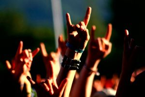 concerts heavy metal hands people