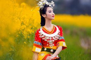 dark hair asian women china