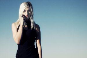 devon jade women model platinum blonde simple background blonde