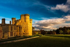 england castle medieval garden